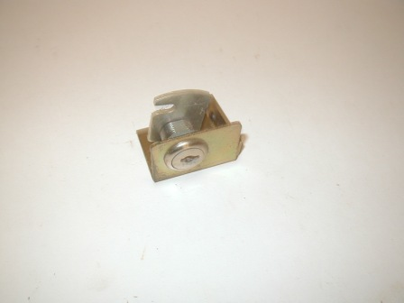 Rowe R-92 Jukebox Bill Acceptor Lock Bracket and Cam (No Key For Lock Included) (Item #123) $7.99