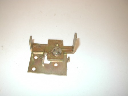 Rowe R-92 Jukebox Lower Door Side Latch (Item #131) $14.99